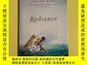 二手書博民逛書店Radiance罕見英文原版毛邊版Y178777 Alyson