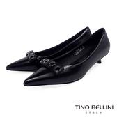 Tino Bellini緞面金屬飾釦尖楦低跟鞋_黑 VI8572