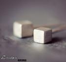 耳環 現貨 韓國 氣質 簡約 立體 方塊 手作 925銀針 耳環 S92473 Danica 韓系飾品 韓國連線