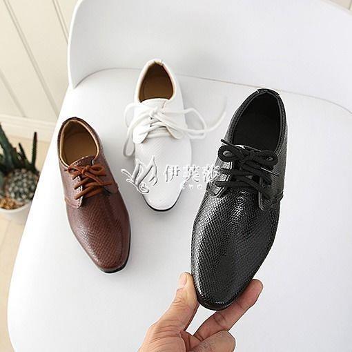 快速出貨新款男童皮鞋小男孩英倫兒童春季黑色男生學生軟底演出鞋花童
