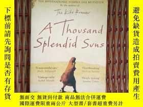二手書博民逛書店The罕見thousand splendid sunsY1150