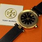 星晴錶業-TORY BURCH湯麗柏琦女錶,編號TBW9007,30mm金色錶殼,深黑色錶帶款