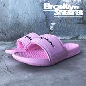 Champion 粉紅  爆裂紋 草寫字 拖鞋 女 ( 布魯克林 ) 2018/7月 823250266