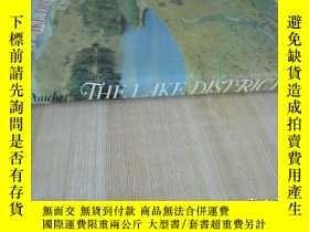 二手書博民逛書店精裝16開罕見厚冊《THE LAKE DISRICT W.A.P