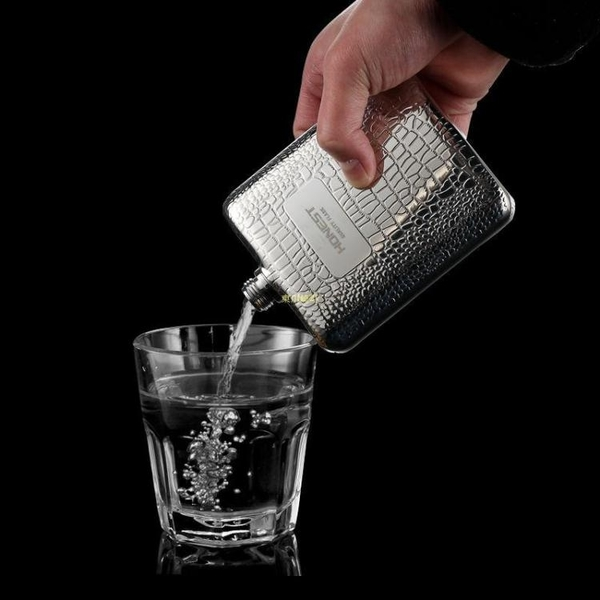 百誠304不銹鋼白酒小酒壺男戶外便攜隨身金屬德國酒具6盎司送男友 快速出貨