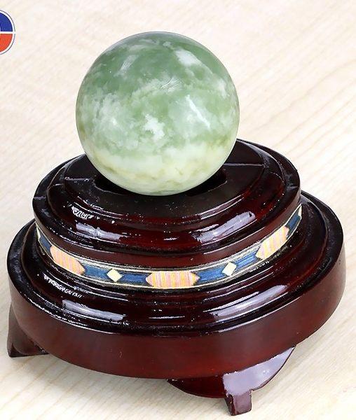 [協貿國際]天然新山玉圓球保健球手球單顆價(不含底座)
