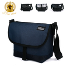 簡約素色&迷彩雙風格,輕量防潑水尼龍  雙面可用隨興搭配,前口袋收納  耐用ABS扣環,中等收納容量
