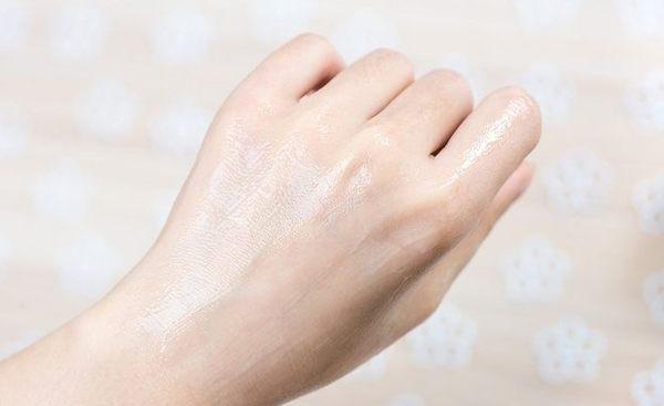 8月到期 自然之名 雪玫瑰植粹保濕輕乳霜50g   舒芙乳霜