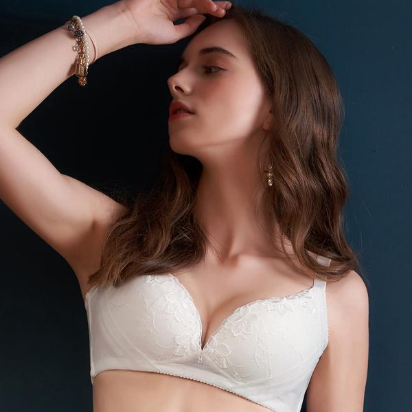 U&Z EASY SHOP-奢華寵愛 無鋼圈A-E罩內衣(珍珠白)
