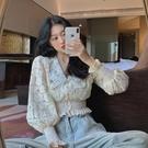 蕾絲上衣 秋季新款韓版設計感V領蕾絲衫早秋法式燈籠袖溫柔短款上衣女 萬聖節狂歡