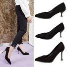 女韓版百搭黑色絨面淺口尖頭中跟高跟鞋細跟工作單鞋  魔法鞋櫃