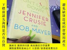 二手書博民逛書店JENNIFER罕見CRUSIE DONT LOOK DOWN
