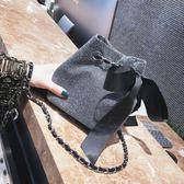 小包包女新款韓版時尚簡約鏈條單肩包潮百搭個性斜跨包水桶包 IV2363【極致男人】