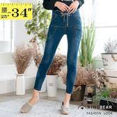 鉛筆褲--個性仿舊刷破刷白鬆緊帶皮革撞色綁繩雙口袋牛仔長褲(藍M-3L)-C111眼圈熊中大尺碼