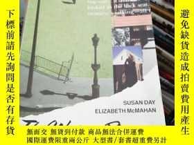 二手書博民逛書店THE罕見WRITER S RESOURCE READINGS