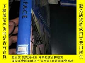 二手書博民逛書店QUESTIONS罕見AND ANSWERS EARTH & S