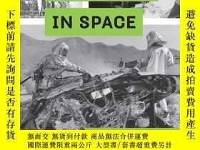 二手書博民逛書店Disasters罕見in Space: Tragic Stor