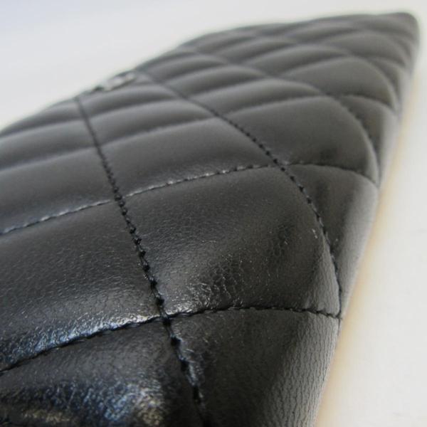 CHANEL 香奈兒 黑色羊皮菱格紋ㄇ字銀LOGO長夾 Classic Long Zipped Wallet BRAND OFF