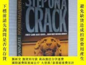二手書博民逛書店Step罕見On a Crack Y146810 James P