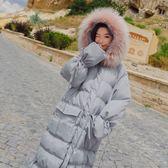 梨卡 - 夢幻甜美氣質防風大毛領保暖雪地中長版抽繩鋪棉大口袋仿羽絨外套風衣長大衣AR047