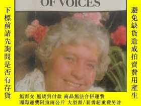 二手書博民逛書店一大堆聲音罕見a host of voices(英文原版小說)