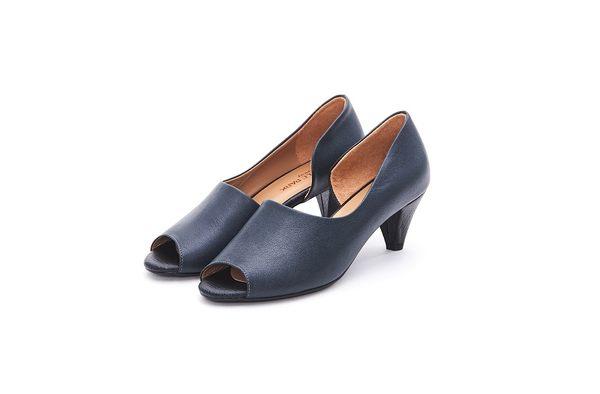 MICHELLE PARK 經典手工露腳趾時尚百搭真皮粗跟魚口鞋-黑色