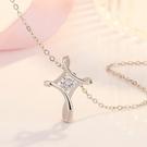 S925耶穌之愛幾何曲線仿真鑽莫桑石0.4克拉鑽石十字架(銀)