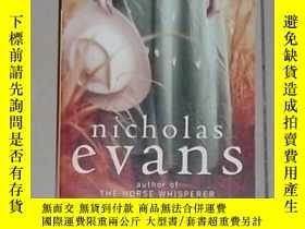 二手書博民逛書店英文原版罕見The Divide by Nicholas Eva