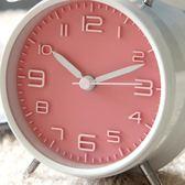 鬧鐘—超大聲音可愛金屬鬧鐘創意靜音夜燈4寸數字學生床頭鐘表簡約實用 依夏嚴選