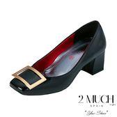 2MUCH 鏡面手工真皮方釦拇指外翻鞋
