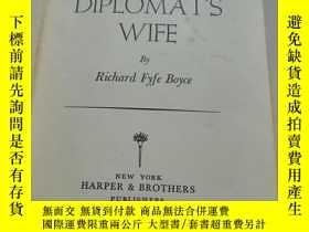 二手書博民逛書店THE罕見DIPLOMAT'SWIFE 外交官的斯威夫特 (精裝