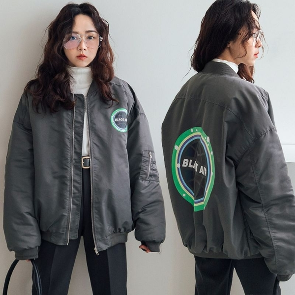 現貨-MIUSTAR 地球煥彩膠印防風滑布內鋪棉MA-1軍外套(共2色)【NH3509】