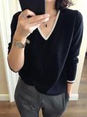打底衫 秋冬新款羊絨衫女V領短款套頭寬松撞色長袖毛衣大碼針織打底衫 【快速出貨】