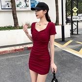 緊身洋裝 夏季洋裝收腰顯瘦2021年新款性感緊身方領露鎖骨褶皺包臀裙短裙【快速出貨】