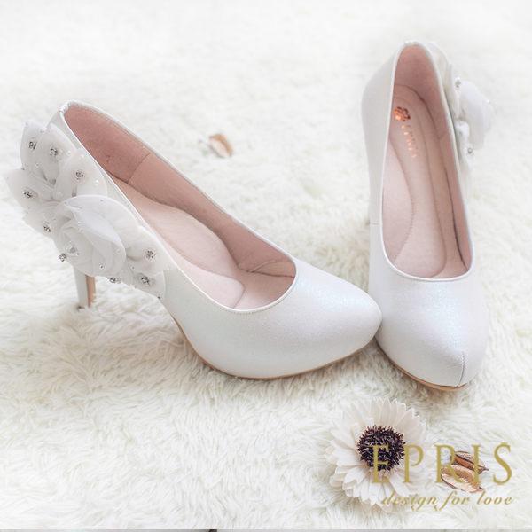 現貨 MIT小中大尺碼新娘婚鞋推薦 莎莉雅女神 花朵真皮內增高跟鞋 21-26 EPRIS艾佩絲-珍珠白色
