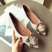 六月芬蘭尖頭金屬C扣羅紋蜜桃絨布舒適平底鞋娃娃鞋女鞋米色灰色(35-41大尺碼)現貨