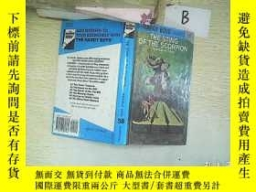 二手書博民逛書店THE罕見STING OF THE SCORPION  蠍子的刺痛Y261116