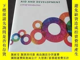 二手書博民逛書店Aid罕見and Development: A Brief In