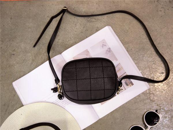 (全館一件免運)DE shop - 小流蘇格紋側背包(VG-013)