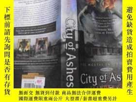 二手書博民逛書店City罕見of Ashes(Book Two)Y11966 C