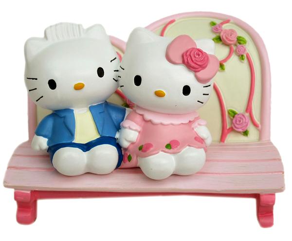 【卡漫城】 Hello Kitty 名片座 ㊣版 手機座 情人 MP3座 iPhone座 擺飾品 玫瑰 男女朋友 長椅