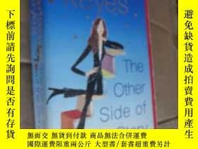 二手書博民逛書店The罕見Other Side of Story 插圖本Y857