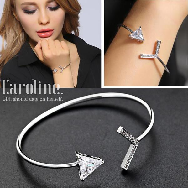 《Caroline》★流行時尚韓星最愛極致閃耀鋯鑽三角箭頭極簡氣質簡約潮流時尚手環69562