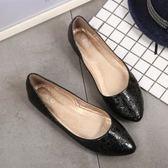六月芬蘭尖頭歐美風大爆裂紋素面舒適娃娃鞋平底鞋包鞋女鞋黑色(35-41大尺碼)現貨