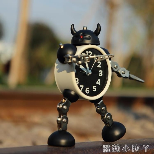 變形機器人鬧鐘創意學生小鬧鐘可愛兒童卡通鬧鐘臺鐘座鐘金屬鬧表【蘿莉新品】