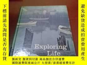 二手書博民逛書店Exploring罕見Life through Literatu