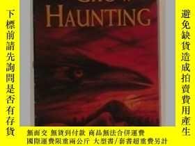 二手書博民逛書店英文原版罕見《 The Crow Haunting 》 【 Ju