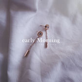 early Morning - 鈦鋼  羅馬文字 鋯石 垂掛線條耳環 鍍18K玫瑰金 防過敏 韓版【IS047】