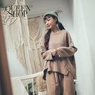 Queen Shop【01096445】側邊不規則車線造型上衣 兩色售*現+預*