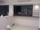 【系統家具】 窗邊玻璃展示吧台櫃